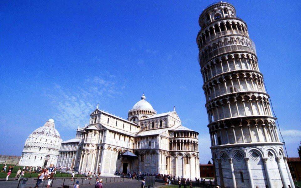 Torre inclinada em Pisa