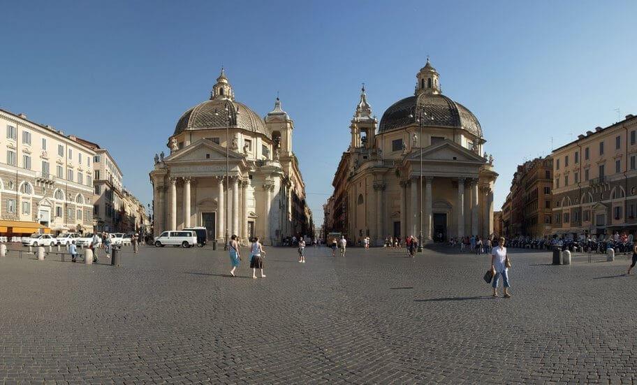 Sobre a Piazza del Popolo em Roma
