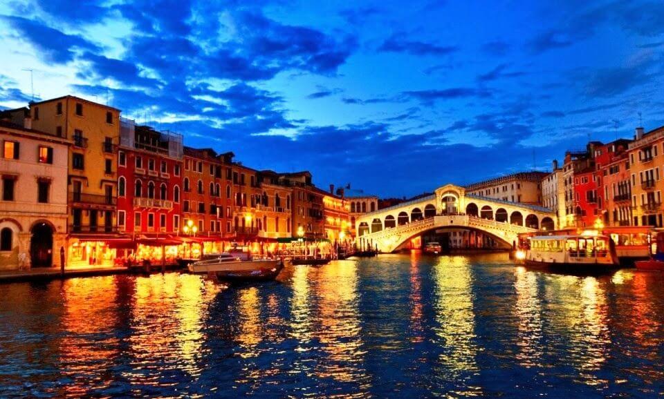 Visite a belíssima Ponte di Rialto em Veneza