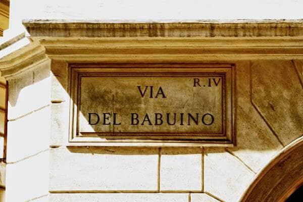 Compras na Via del Babuino em Roma