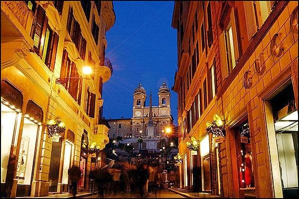 Compras na Via Condotti em Roma