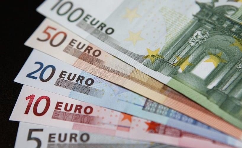 Levar os euros em espécie para a Itália