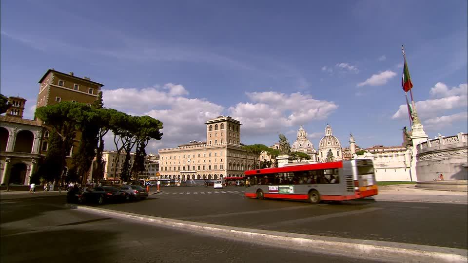 Transportes para ir até o Monumento a Vítor Emanuel II em Roma