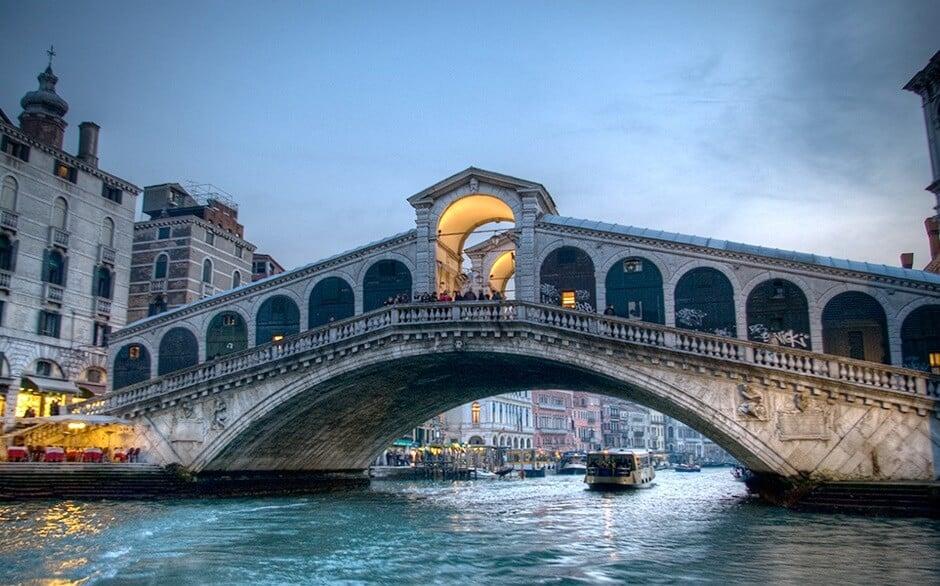 Ponte di Rialto de Veneza