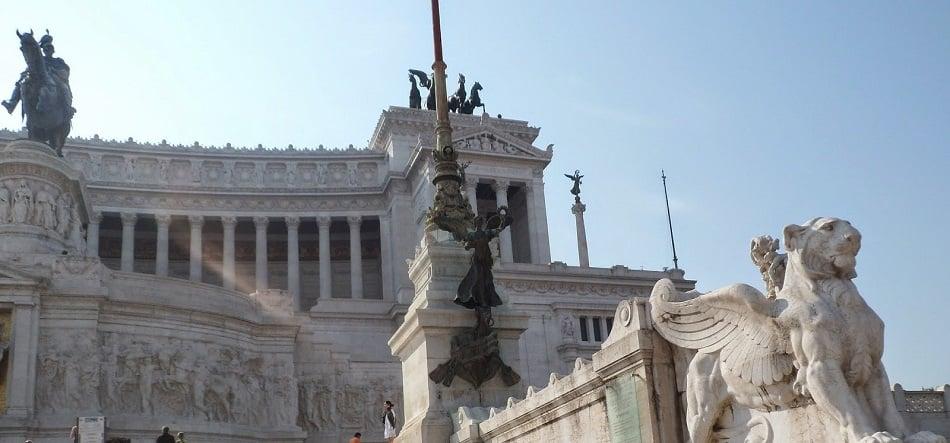 Atrativos no Monumento a Vítor Emanuel II em Roma
