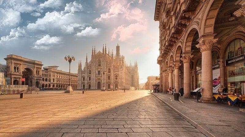 Atrativos na Piazza del Duomo em Milão