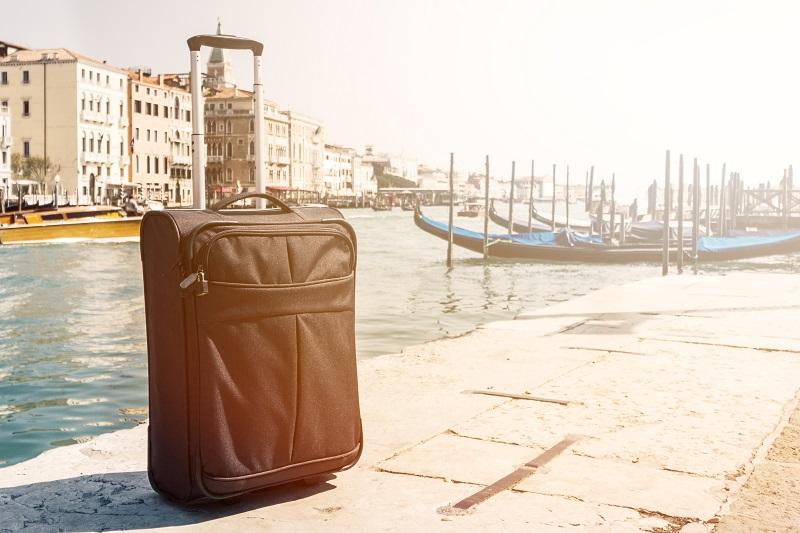 Mala próxima de canal de Veneza