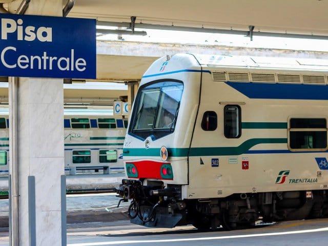 Viagem de trem de Pisa a Veneza