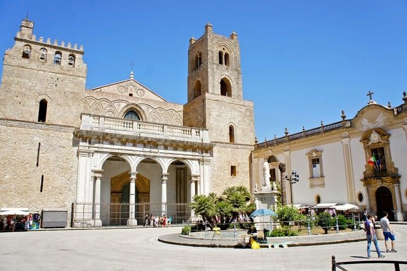 Duomo de Monreale na cidade de Palermo em Sicília