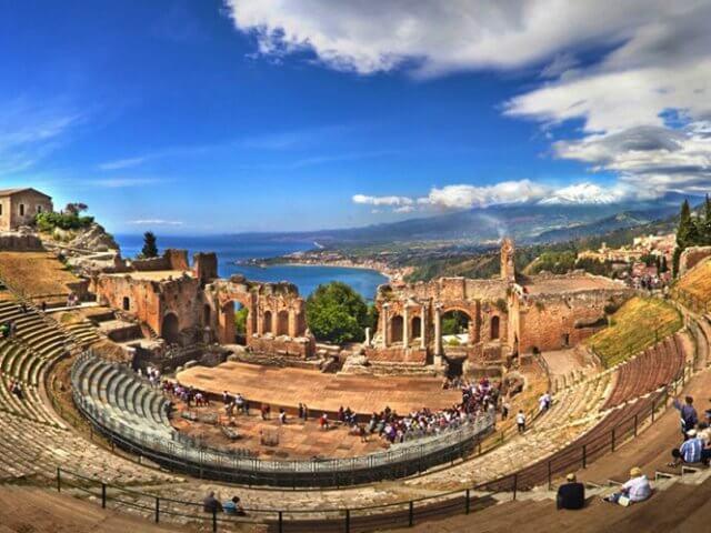 Pontos turísticos em Taormina