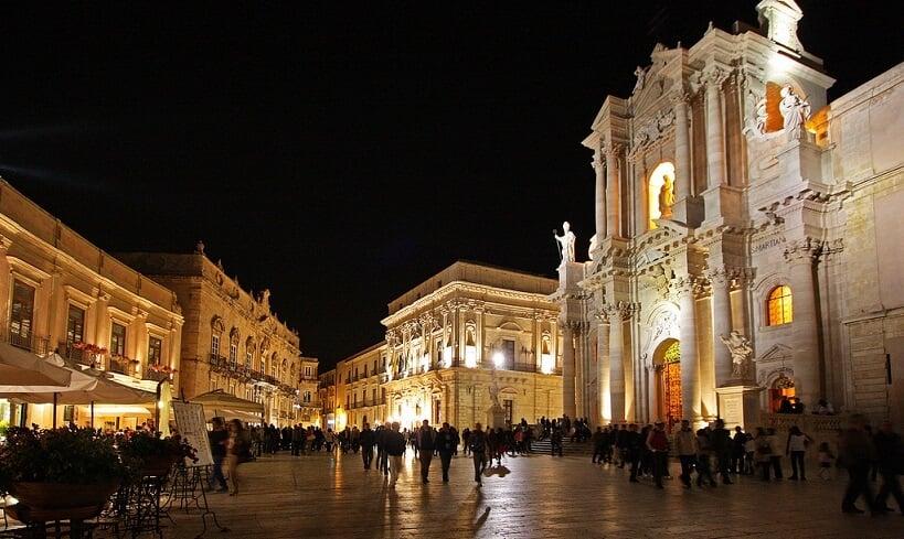 Duomo di Siracusa na Piazza Duomo