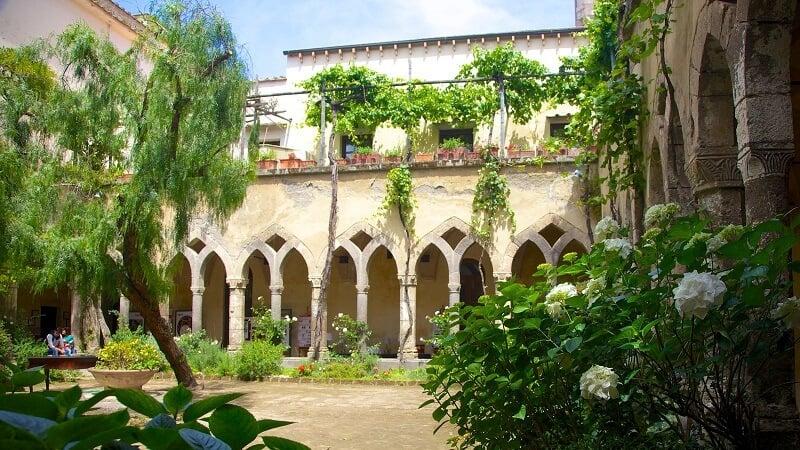 Jardim da Chiesa di San Francesco em Sorrento