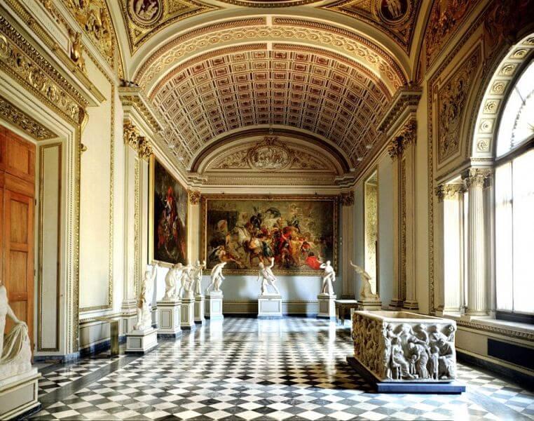 Interior da Galleria degli Uffizi em Florença
