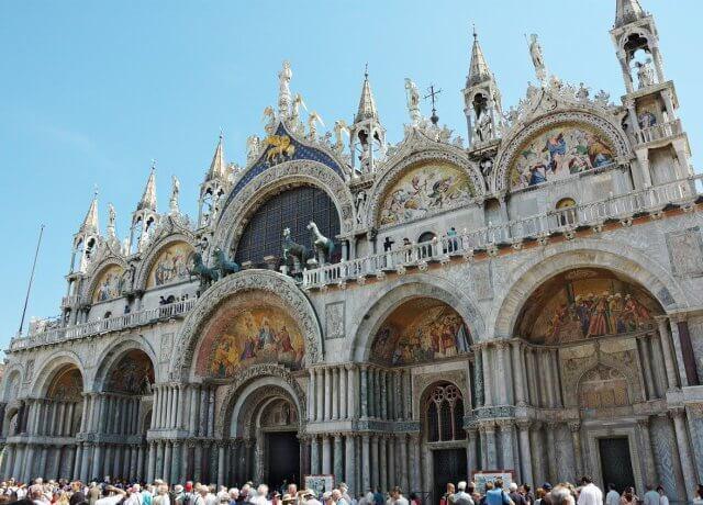 Ingressos para visitar a basílica dourada em Veneza