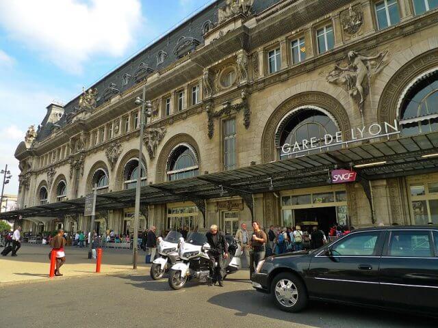 Viagem de trem de Verona a Paris