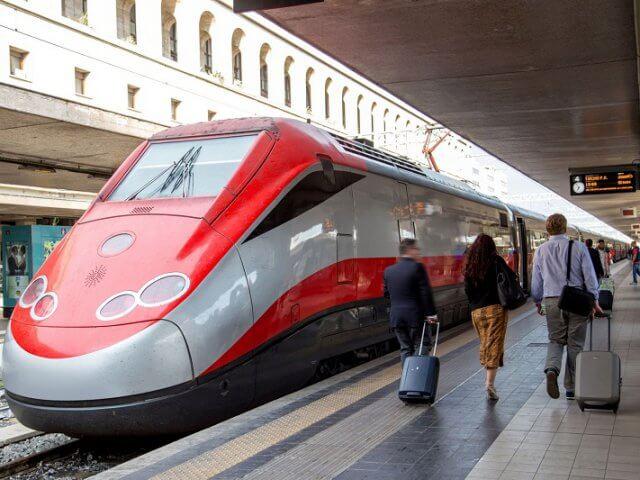 Viagem de trem de Veneza a Roma