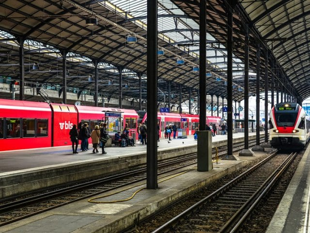 Viagem de trem de Milão a Lucerna