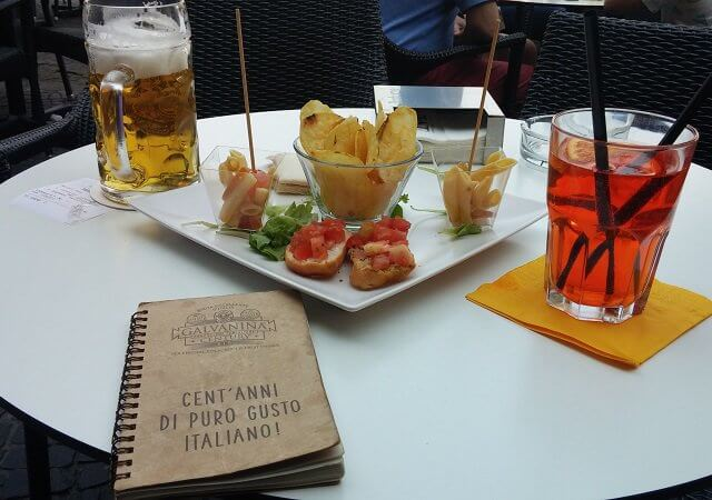 Aperitivo, o happy hour italiano