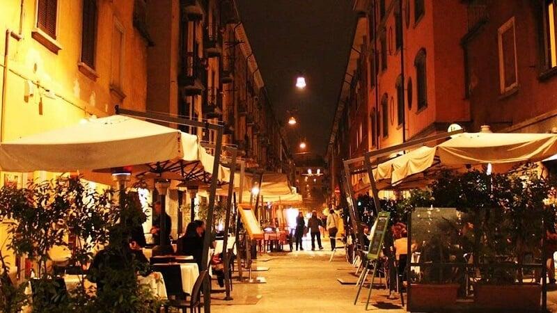 Rua do bairro Brera em Milão