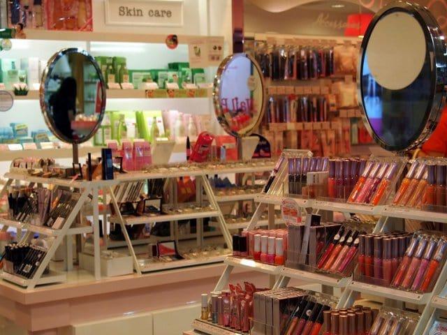 Onde comprar maquiagem em Veneza