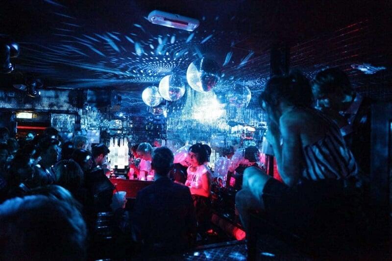 Plastic Club em Milão