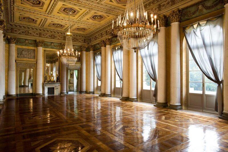 Interior da Galeria de Arte Moderna de Milão
