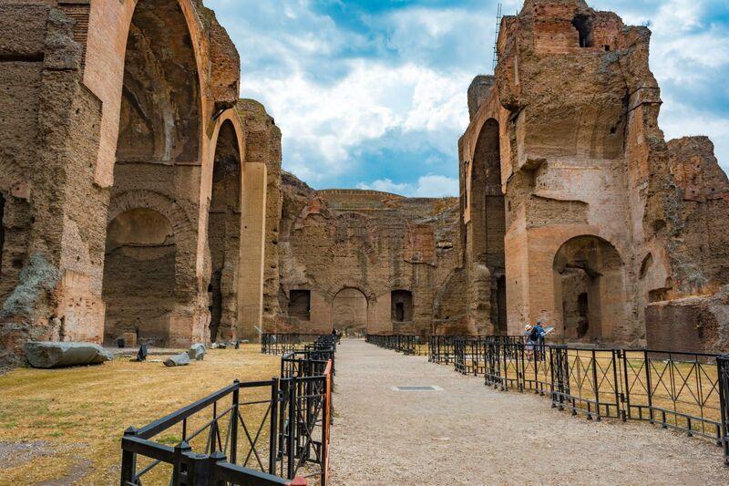 Interior das Termas de Carcalla em Roma