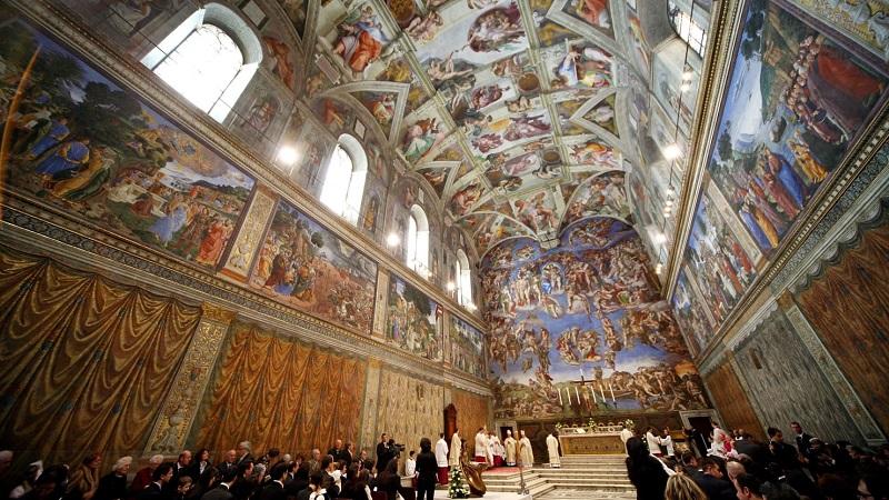 Interior da Capela Sistina no Vaticano em Roma