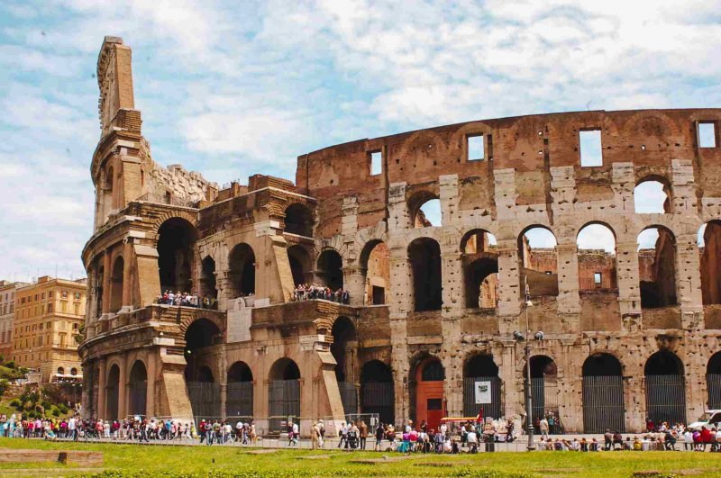 Visitantes no Coliseu