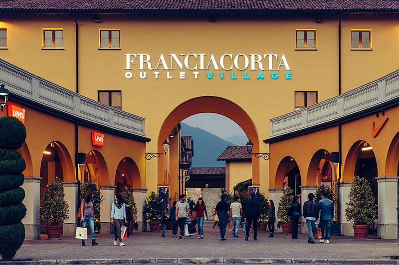 Ingressos para tour de compras por Franciacorta Outlet Village