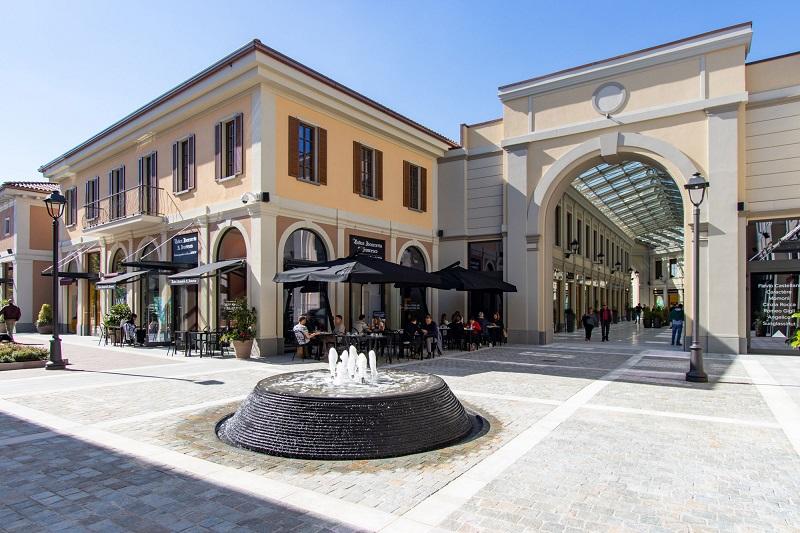 Franciacorta Outlet Village em Milão