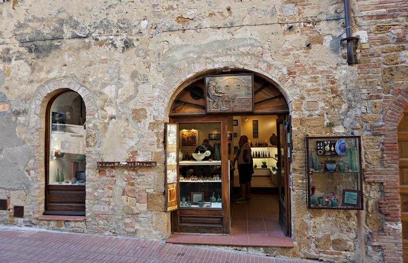 Entrada da loja Balducci em San Gimignano