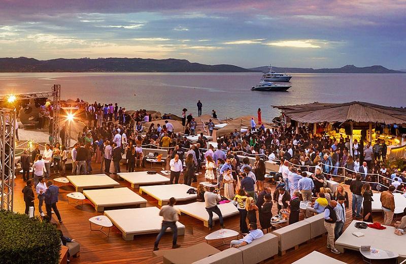 Phi Beach Disco em Sardenha