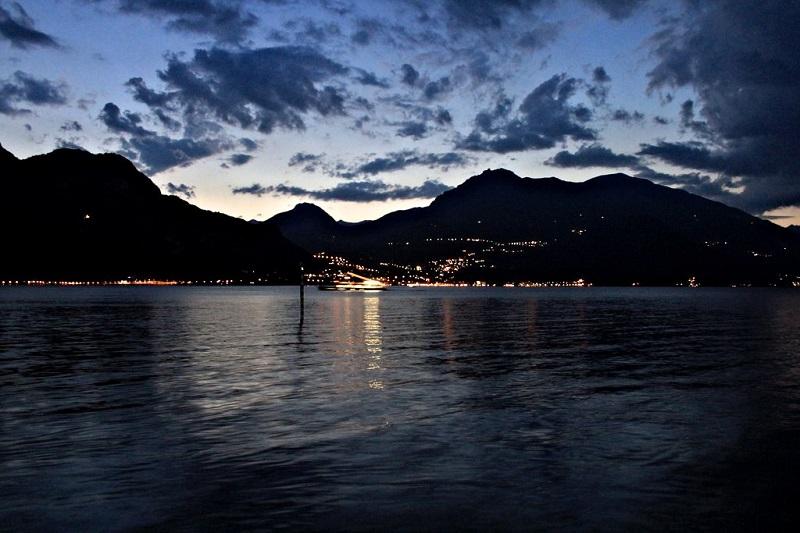 Lago Como no final do dia