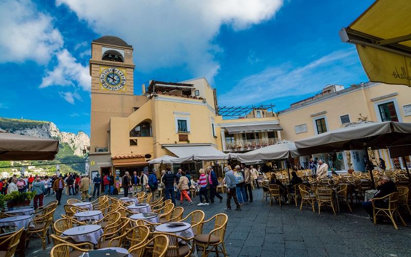 Piazzetta de Capri na cidade de Capri