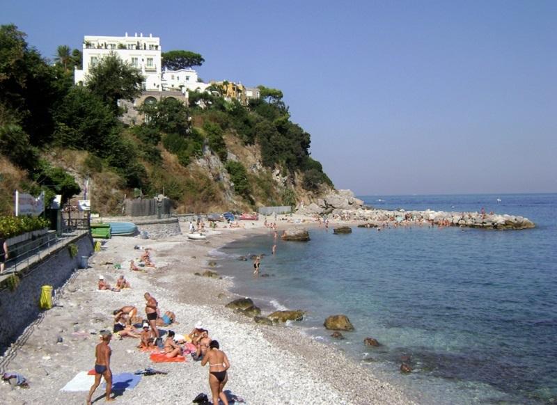 Praia em Marina Grande